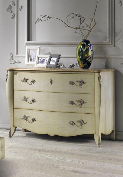 Dresser on White Oak Italian Wide Plank Wood Flooring | Tavolato Veneto