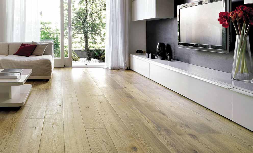 Living room with white oak wood flooring | Italian Wide Plank Wood Flooring Tavolato Veneto